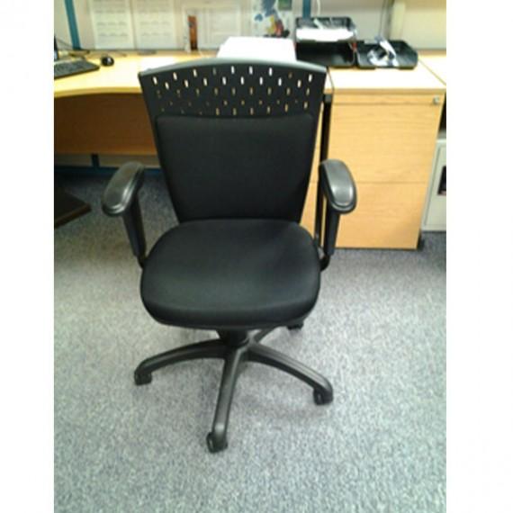 black-operators-chair