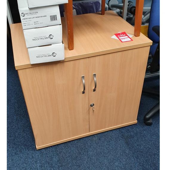 desk-high-cupboard