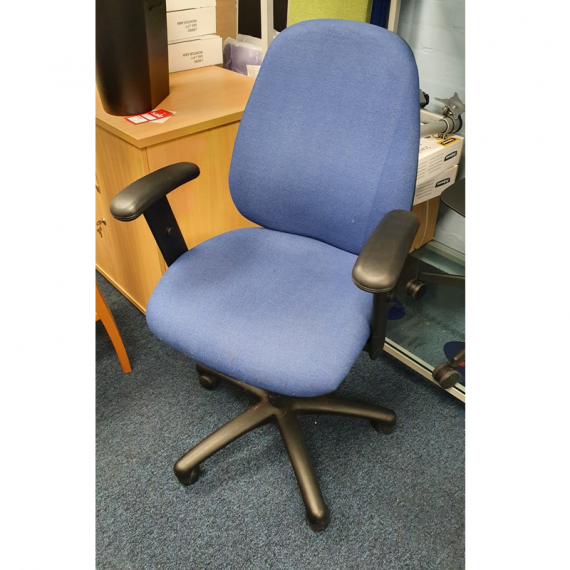 task-chair-with-arms